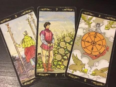 Гадание на 3 картах Таро «Что было? Что есть? Что будет?»
